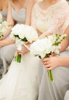 Photography: Lindsay Madden - www.lindsaymaddenphotography.com  Read More: http://www.stylemepretty.com/2014/09/29/modern-white-loft-wedding-at-studio-450/