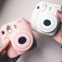 Image de polaroid, instax, and camera Instax Mini 9, Instax Mini Camera, Fujifilm Instax Mini, Polaroid Instax, Pink Polaroid Camera, Polaroid Ideas, Polaroid Cameras, Polaroid Pictures, Portable Photo Printer