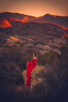 Red by Jessica Drossin - Photo 175677763 / Fantasy Photography, Girl Photography, Creative Photography, Amazing Photography, Photography Portraits, People Photography, Cool Pictures, Cool Photos, Beautiful Pictures