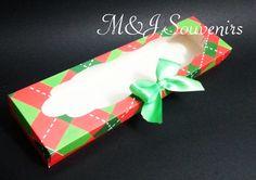 Caja para alfajores y galletas tematica: personalizada Materiales: cartulina, cinta