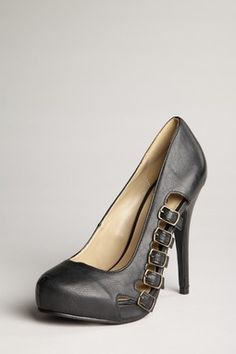 LOVE the buckles on these pumps.