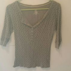 Faded Glory floral shirt Gently used but in great condition. Heather gray with floral print. Size small. Faded Glory Tops Tees - Long Sleeve