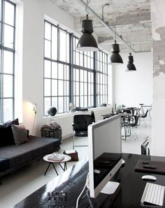 Offices with an industrial interior design touch | Visit vintageindustrialstyle.com for more inspiring images