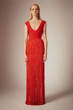 Hervé Léger Pre-Fall 2020 Collection - Vogue You are in the right place about REd dress maxi Here we offer you the most beautiful pictures about the R Mac Duggal, Preppy Dresses, Nice Dresses, Long Dresses, Dress Long, Fashion Show, Fashion Looks, Fashion 2020, Fashion Trends
