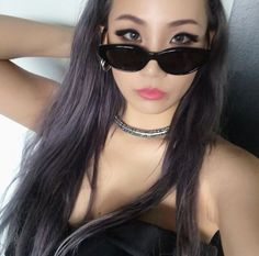 Find images and videos about kpop, edit and on We Heart It - the app to get lost in what you love. K Pop, South Korean Girls, Korean Girl Groups, Cl Rapper, Cl Instagram, Cat Eye Sunglasses, Sunglasses Women, Chaelin Lee, Lee Chaerin