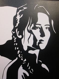 "Katniss from ""The Hunger Games"" Stencil Art, Stencils, Dibujos Pin Up, Graffiti Designs, Art Corner, Silhouette Art, Artist Trading Cards, Simple Art, Mandala Art"