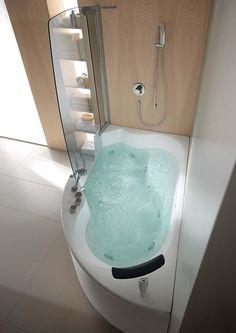 mała wanna narożna z prysznicem