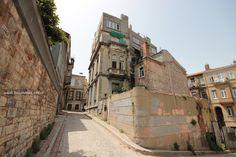 #IstanbulPhotos #Turkey #Istanbul #Fener Eski İstanbul'un Arka Sokakları daracık #TaşBina