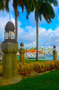 Attractive Aruba - http://www.travelandtransitions.com/destinations/destination-advice/latin-america-the-caribbean/