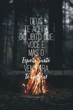Deus te aceita do jeito que você é, mas o Espírito Santo vem para te moldar. Jesus Wallpaper, Tumblr Love, Lion Of Judah, Jesus Freak, Gods Plan, Jesus Loves You, God Jesus, Jesus Art, Praise The Lords