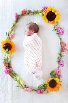 newborn photo that I am IN LOVE WITH