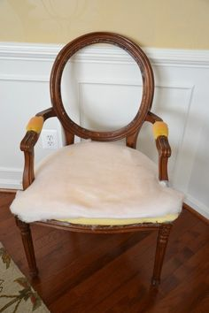 Step by step tutorial on re-upholstering a chair www.whatsurhomestory.com