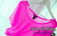If I had to stand on the the street advertising a store with a big sign, I would be wearing neon! With loud music to get everyone's attention. :)