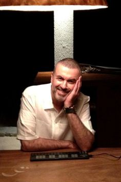 George Michael Photos Photos -  Twitter pictures of the day. - Celebrity Twitter Pics of the Day