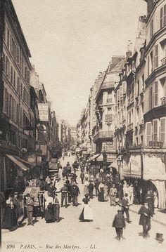 rue des Martyrs - Paris 9ème/18ème L'animation de la rue des Martyrs, vers 1900. I was born in this street
