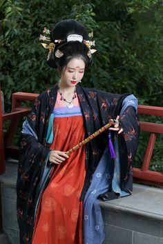 Traditional Fashion, Traditional Dresses, Traditional Chinese, Ethnic Fashion, Asian Fashion, Chinese Fashion, Kimono Japan, China Girl, Chinese Clothing