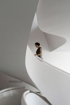 Image 3 of 43 from gallery of Villa for Younger Brother / Nextoffice - Alireza Taghaboni. Photograph by Parham Taghioff Stairs And Staircase, Interior Staircase, Modern Staircase, Staircase Design, Architecture Photo, Amazing Architecture, Interior Architecture, Interior Design, Atrium
