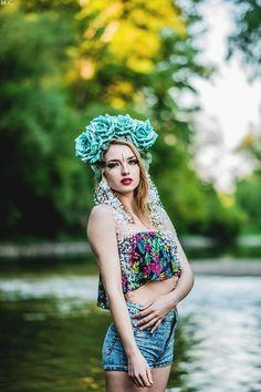 #woman #portrait #headband #flower #slovakia #martinacimermanova #beauty #photography #photoshooting