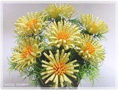 Corrugated paper fringed flower tutorial