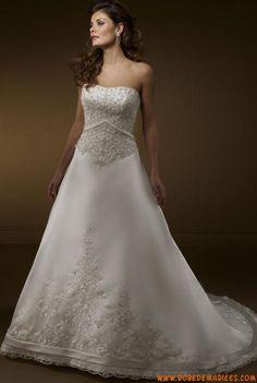 Robe de mariée de luxe bustier applique dentelle