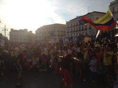 @HsalasteleSUR #España. Baile de Mapalé en #Madrid por una '#Colombia libre y soberana'. Hay mucho entusiasmo solidario!