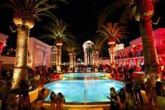 Best Club If You Don't Have Bottle Service - Drai's Beach Club & Nightclub via Las Vegas Weekly 2014 Las Vegas Love, Vegas Fun, Las Vegas Strip, Britney Vegas, Night Club, Night Life, Pool Lounge, Lounge Areas, Beach Club
