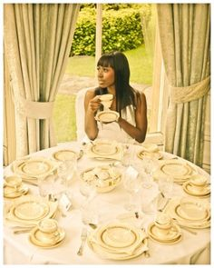 Dinner Setting. Bride. Cream and Gold wedding. #vintage #wedding #luthienphoto #bettyrosevintage