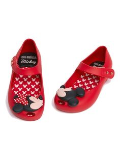 3ac815b7491d Children will love this shoe and so will their parents! By matching up the  kissing