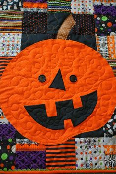 Lo, Ray, & Me: Pumpkin Wall Hanging (with movable eyes!)