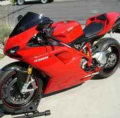 Ducatti... Looks better with carbon fiber on the fairings