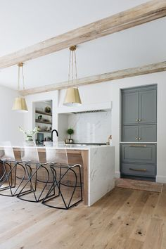 Home Interior Scandinavian Grand Traditions Fine Homes-Custom Built Modern English Farmhouse in Barrington Illinois.Home Interior Scandinavian Grand Traditions Fine Homes-Custom Built Modern English Farmhouse in Barrington Illinois Farmhouse Sink Kitchen, Modern Farmhouse Kitchens, Home Decor Kitchen, Home Kitchens, Kitchen Ideas, Farmhouse Decor, Diy Kitchen, Kitchen Modern, Small Kitchens