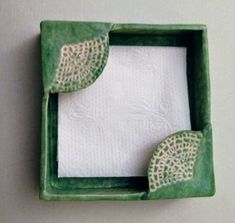 Use Ginko leaf as image- Napkin holder. Use Ginko leaf as image Napkin holder. Use Ginko leaf as image - Hand Built Pottery, Slab Pottery, Ceramic Pottery, Ceramic Spoons, Ceramic Beads, Slab Ceramics, Pottery Designs, Pottery Ideas, Clay Bowl
