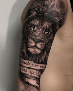 🔥 Artist IG: For shout click the link in bio! Lion Head Tattoos, Mens Lion Tattoo, Biker Tattoos, King Tattoos, Wolf Tattoos, Animal Tattoos, Body Art Tattoos, Lion Tattoos For Men, Tattoos Skull