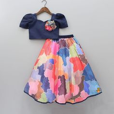 Kids Party Wear Dresses, Kids Dress Wear, Kids Gown, Dresses Kids Girl, Birthday Dresses, Girls Frock Design, Baby Dress Design, Kids Lehanga Design, Lehanga For Kids