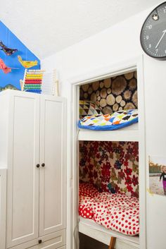 Kids' room makeover | Put Up Your Dukes --- I would have loved this when I was little. Shit, I'd love it now lol