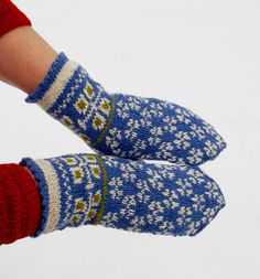 hand knitted wool mittens latvian mittens by peonijahandmadeshop