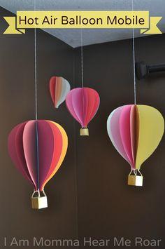 I Am Momma - Hear Me Roar: Hot Air Balloon Mobile tutorial Hot Air Balloon Paper, Diy Hot Air Balloons, Balloon Wall, Balloon Party, Balloon Ideas, Balloon Decorations, Ballon Crafts, Decoration Creche, Air Ballon