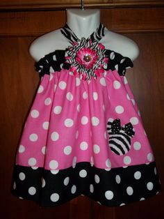 NEW Pink and Black Minnie Mouse Ruffle Top and Capris PERFECT