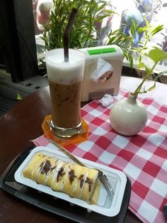 Moccha @coffee hollic chiangmai .to day day off. Chil day but lonely. I am happy hapyyy 13-02-2013