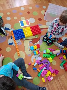 Teaching Kindergarten, Preschool, 1 Decembrie, Diy And Crafts, Projects To Try, Kids Rugs, Moldova, Activities, Aba