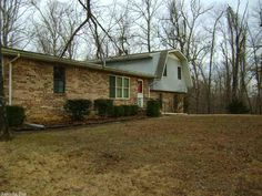 NICE SECLUDED TRI LEVEL HOUSE With Two Lots But Still Close To Town Center The Built In MicrowaveRoom DimensionsCome