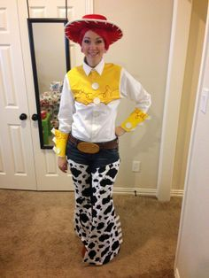 OMGLITZY: Tutorial: Jessie from Toy Story Cosplay - Toys for years old happy toys Movie Halloween Costumes, Hallowen Costume, Halloween Toys, Halloween Cosplay, Diy Costumes, Costume Ideas, Jessie Halloween Costume, Halloween Party, Homemade Halloween