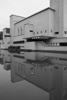 Hilversum Town Hall - Architect: Willem Marinus Dudok (1884-1974)