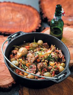 Beer and bacon - what more could any man ask for? Spoil your family (the alcohol cooks off!) with this delicious potjie. Other Recipes, Great Recipes, Dinner Recipes, Favorite Recipes, Beef Bacon, Bacon Beer, Beef Recipes, Cooking Recipes, Beer Chicken