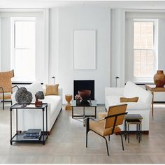 Learn how to easily create the perfect living room for your home with these key principles and ideas from an experienced interior designer. New Living Room, Living Room Decor, Living Spaces, Living Area, Contemporary Interior Design, Interior Design Kitchen, Modern Contemporary, Modern Classic, Living Room Inspiration