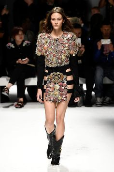 Fausto Puglisi spring/summer 2016 collection show pictures | Harper's Bazaar