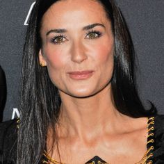 Daring and passionate, true star Demi Moore wore Carrera y Carrera earrings to complete one of her beautiful looks.  A brand with a strong character chosen by one of the most astonishing and famous woman in the world. #carreraycarrera #lookoftheday #jewelry #luxury #ootd #jewelry #jeweloftheday #instajewel #goldenjewels #jewels #joyas #creativejewelry #joyeríacreativa #demimoore