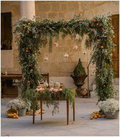 Decoración de ceremonia para una Destination Wedding :: Destination Wedding in Spain ceremony decor flower arch
