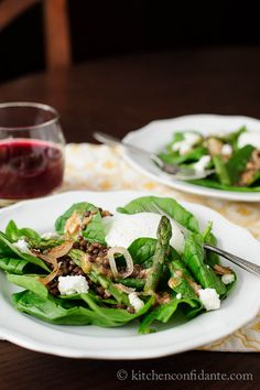 Lentil Spinach Salad from @Liren Baker | Kitchen Confidante #travellingdietitian #thecleanseparation www.travellingdietitian.com #healthy #vegetarian