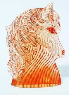 palatnik - cabeça unicórnio assin. tom laranja forte 22x16cm